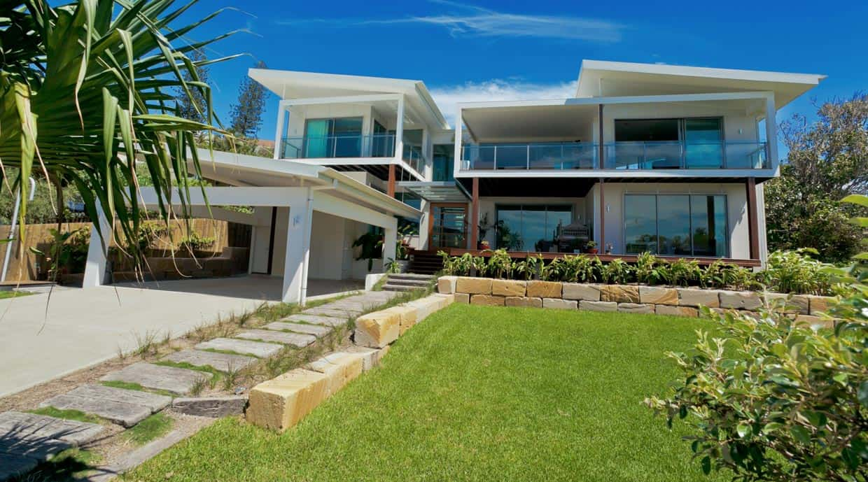 The beach house chris clout design for Australian beach house designs